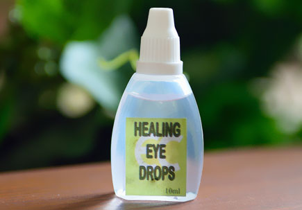 http://healinggaling.ph/wp-content/uploads/sites/5/2015/05/eye-drops.jpg